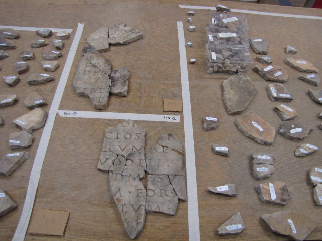 Autun fragments marbre inscription